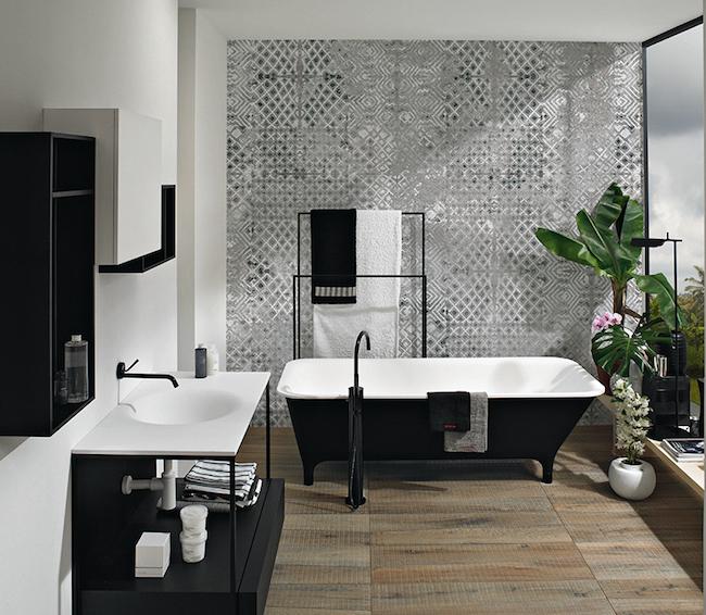 La carta da parati in fibra di vetro EQ Dekor di Inkiostro Bianco crea nuove possibilità decorative per superfici a contatto con acqua.